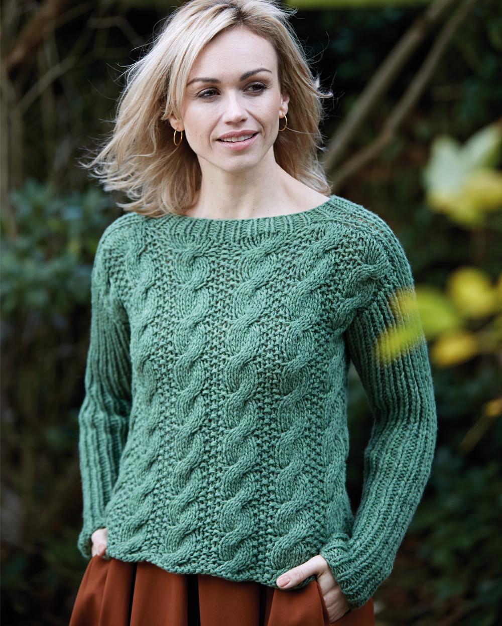 Вязание на спицах пуловер с косами 659