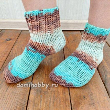 Красивые тёплые носки крючком